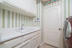 3056 Shadow Hills Cir Laundry Room
