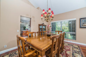3056 Shadow Hills Cir Dining Room